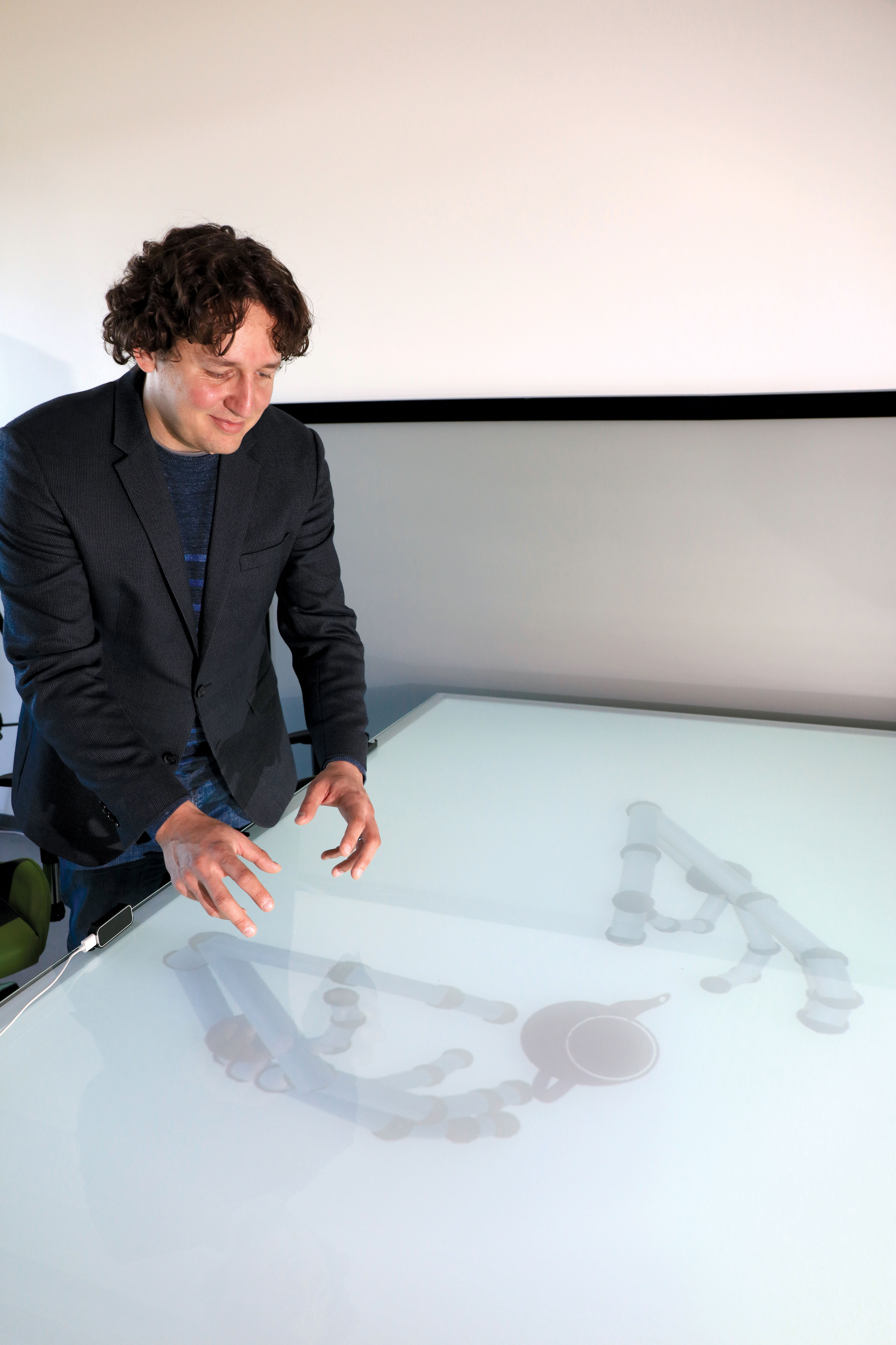Demonstration of Holographic Table