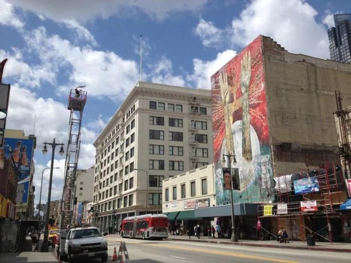 """""""Calle de la Eternidad"""" on Broadway"""